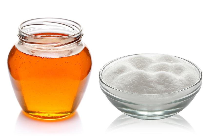 Per dolcificare è preferibile il miele o lo zucchero?