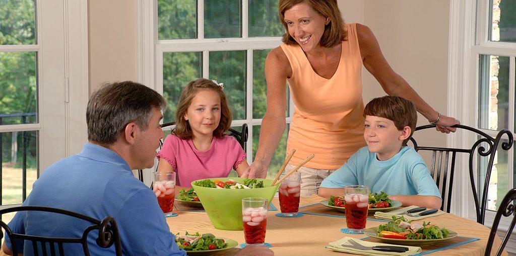 Alimentazione dei bambini: qualche consiglio perché sia sana ed equilibrata