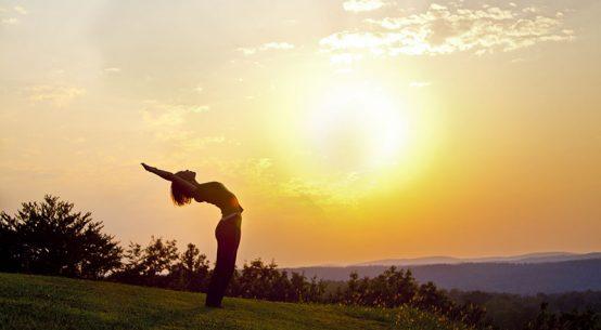 Praticare lo yoga: i tanti benefici di questa disciplina