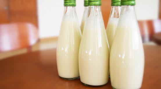 bere latte fa bene o male alla salute